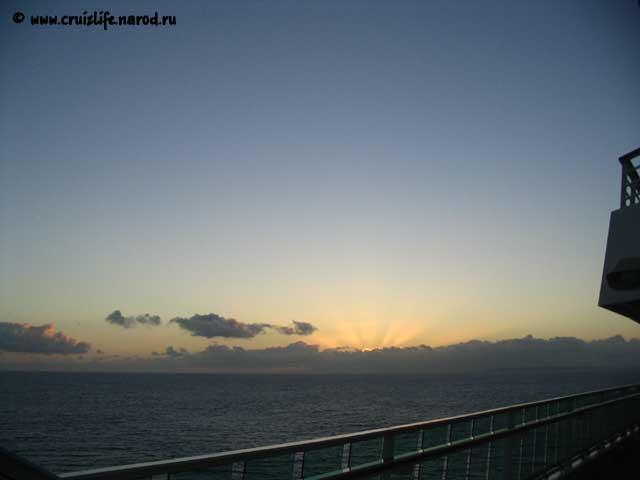 Рассвет в карибском море